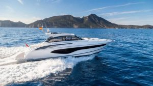 charter yaxcht